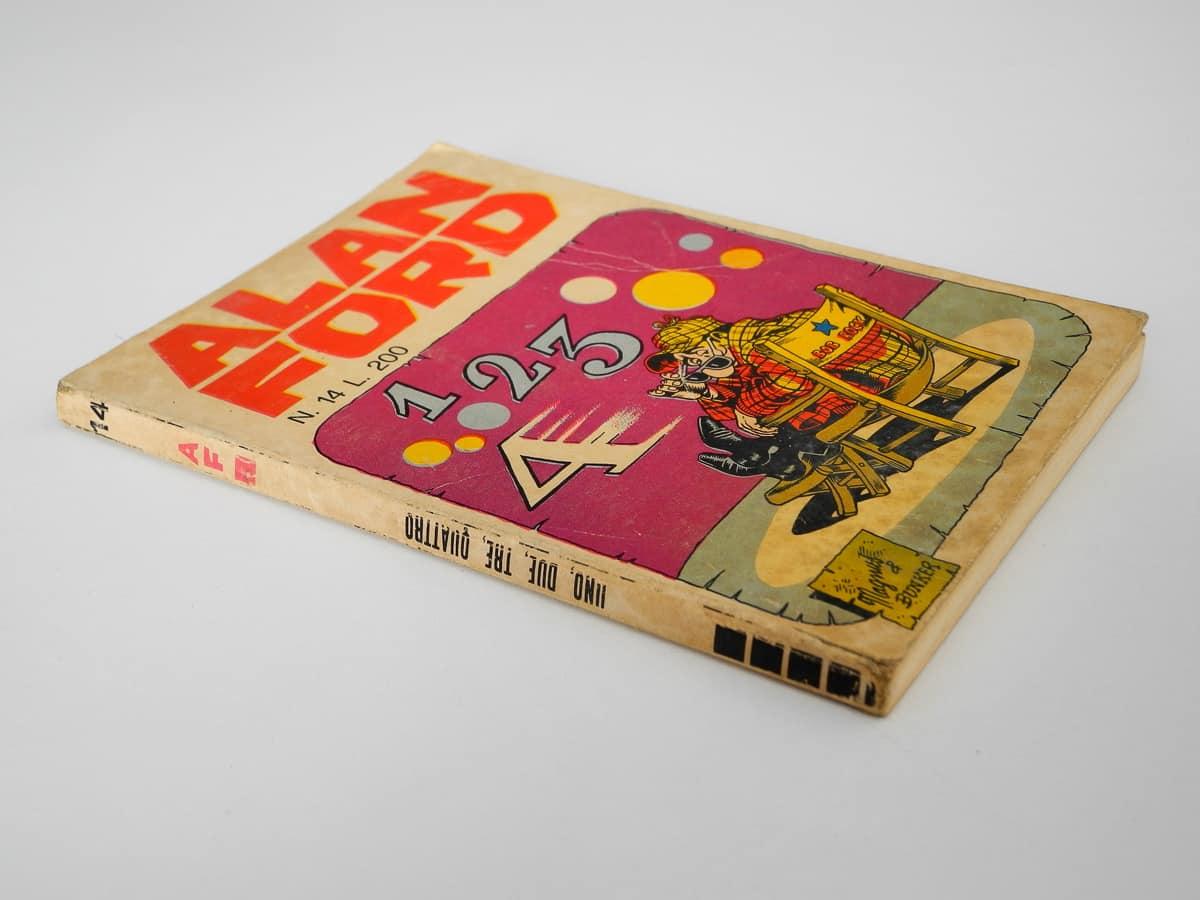 Alan Ford n. 14 con adesivi Corno