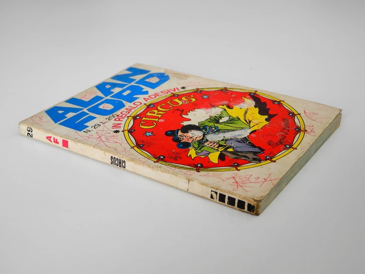 Alan Ford n. 29 con adesivi Corno